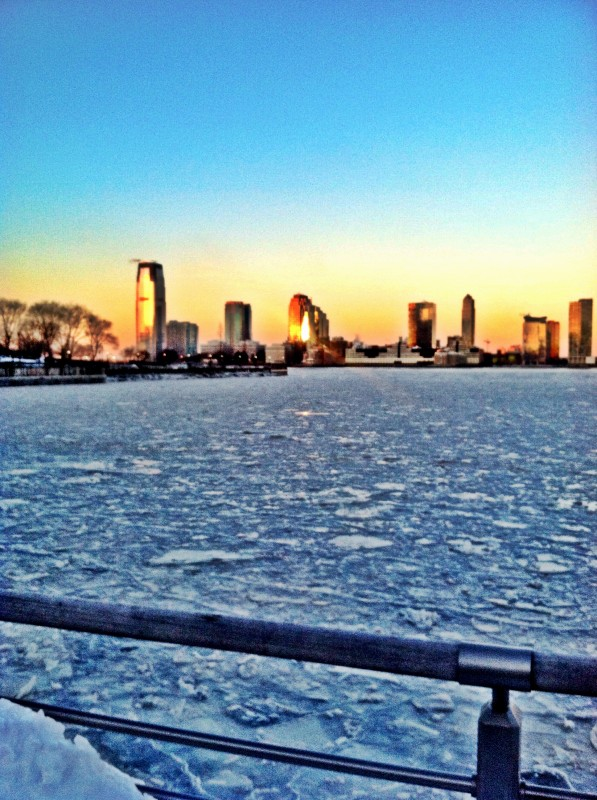 hudson river frozen